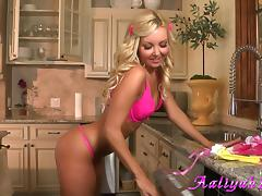 Aaliyah Love toys her admirable pussy in the kitchen