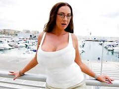 Huge Bouncing Tits!