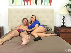 Curvaceous Amber Lynn Bach in a live foreplay scene