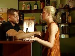 Bartender seduces a blonde and fucks her in the ass