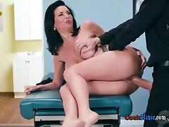 Hot Patient Veronica Avluv Gets Poked By Hung Doctor