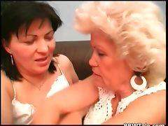 Old horny granny enjoy in wet pussy