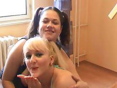 Deepthoat blowjob by two german girls