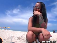Venezuelan Hottie gives him a sweet blowjob and gets fucked