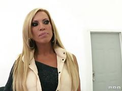 Hot Cougar Amber Lynn