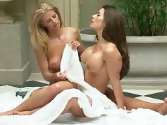 Vanessa Wade and Jamie Lynn hot and kinky action
