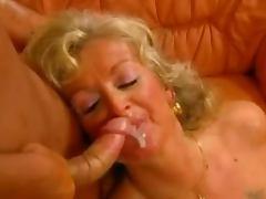 KAROLA 60+ Busty Anal Gran