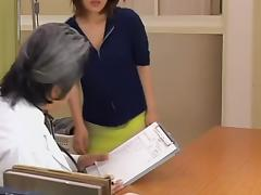 Nice snatch toyed hard in perverted medical fetish video