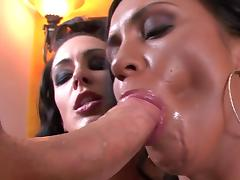 Jessica Jaymes and Mariah Milano are sucking dick together