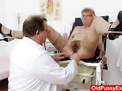Mature cunny examined by someone's skin Gynecologist